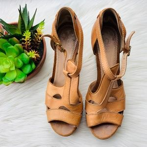 Chloe Tan Leather Platform Wedge Made in Italy 9